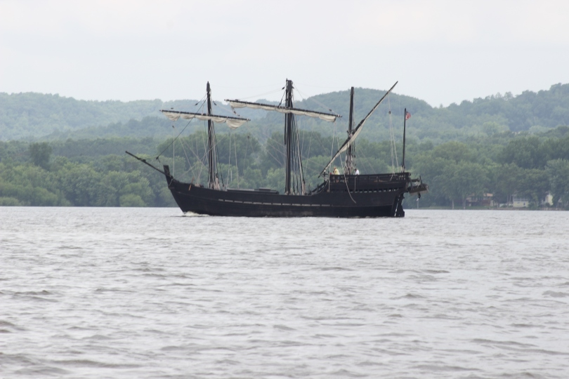 One of the two pirate ships we saw in Lake Pepin.  We've been warned against more pirates in the South.